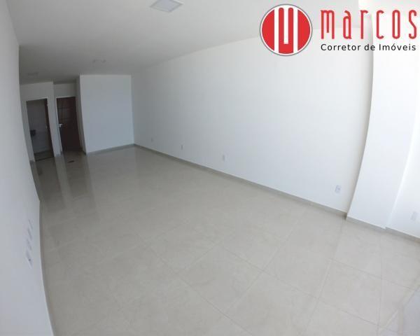 Apartamento para locação 3 quartos, amplo e novíssimo na Praia do Morro. - Foto 7