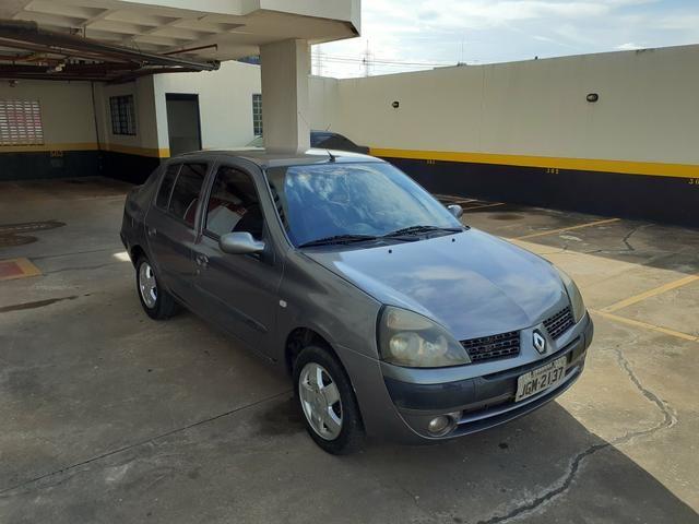 Clio Sedan 2005/2006