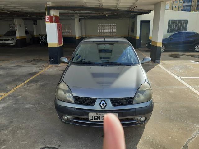 Clio Sedan 2005/2006 - Foto 2