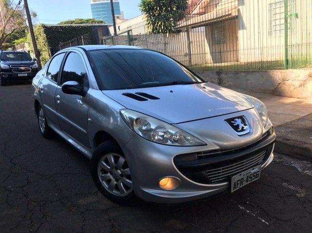 Peugeot 207 Passion 1.4 2011 Flex Completo - Carro bem novo