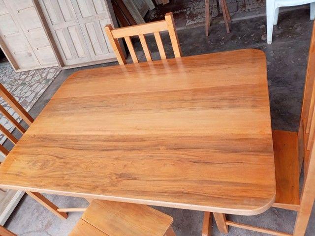 Jogo mesa nova 4 cadeiras pau mulato!!! - Foto 3