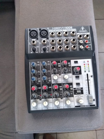 Vendo Console analógica Behringer Xenyx 1002 - Foto 3