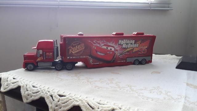 Caminhão de brinquedo e playset disney relampago mc queen - Foto 2