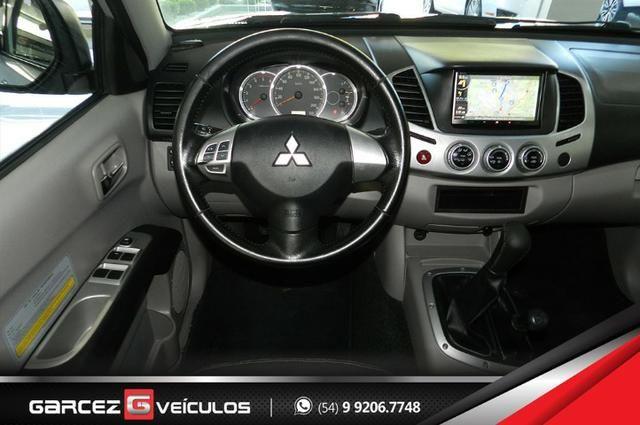 Mitsubishi L200 Triton HPE 3.2 Turbo Diesel 4X4 Manual Lacrada Revisada Procedência - Foto 11