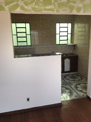 Aluga ou vende apartamento 850 reais condomínio incluso - Foto 2