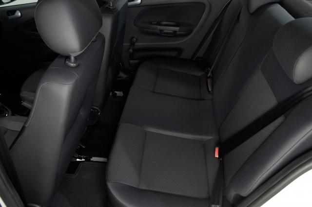 VolksWagen VOYAGE Trendline 1.6 T.Flex 8V 4p - Branco - 2018 - Foto 9