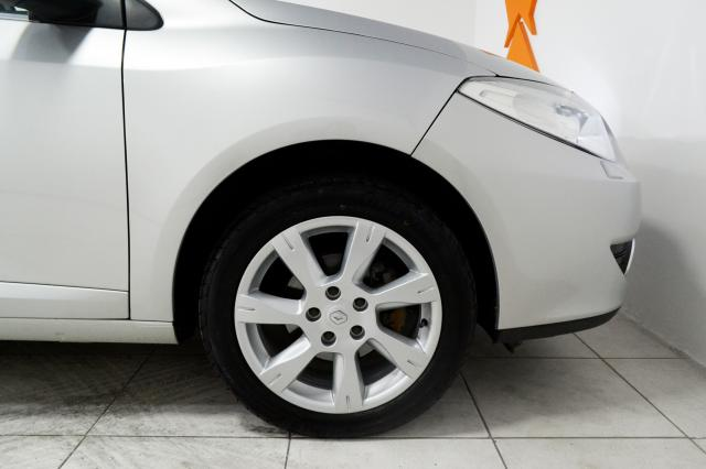 Renault FLUENCE Sedan Privilège 2.0 16V FLEX Aut - Prata - 2011 - Foto 20