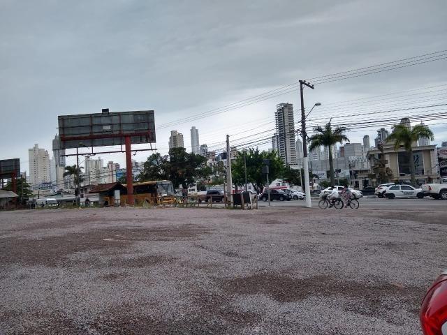 Alugo terreno em Balneário Camboriú em excelente localização - Foto 2