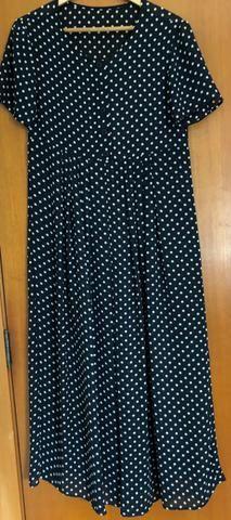 Vestido social longuette manga curta M, em crepe, usado