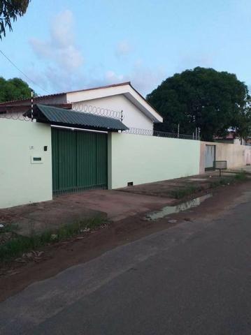 Vende-se casa 3 quartos no bairro Sílvio Leite
