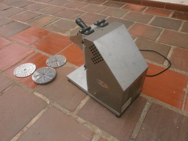 Ralador industrial - em inóx - com 3 discos - para coco, queijo , chocolate - Foto 5