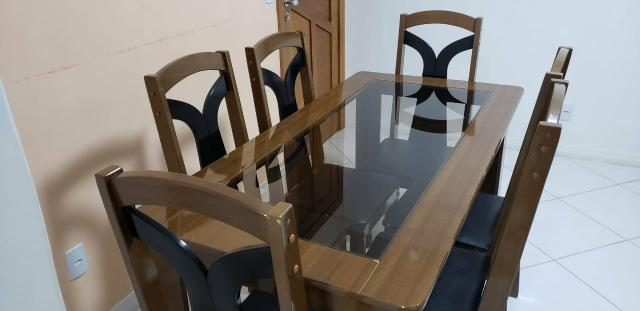 MESA 6 cadeiras com tampo de vidro. 500,00 tem conversa no valor. Passo passar no cartão