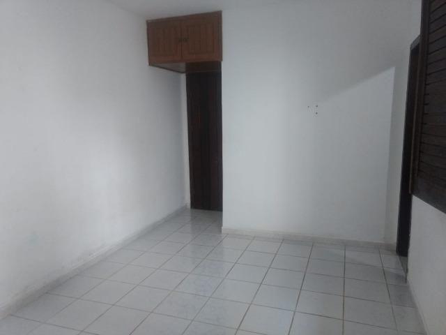 Kitnet itapuan suíte individual quarto e banheiro itapuã - Foto 2