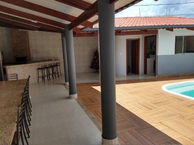 Excelente casa com piscina no bairro valparaiso em patos de minas/mg - Foto 12