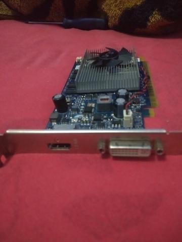 Placa de vídeo 9500 GT DDR 2