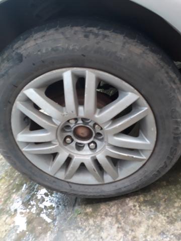 Aro 15 com pneus 4