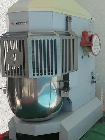 Batedeira Industrial 12 litros
