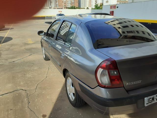 Clio Sedan 2005/2006 - Foto 5