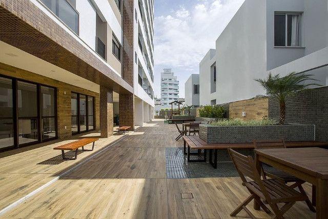 E. Apartamento em Florianópolis 2 dorms 2 suítes no bairro Balneário, 2 vaga de garagem - Foto 9