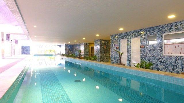 Apartamento com 300m², 4 suítes e sala para 3 ambientes a com vista para o mar de Jatiuca