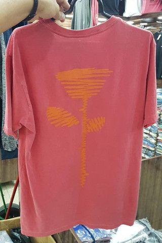 camiseta osklen em atacado - Foto 4