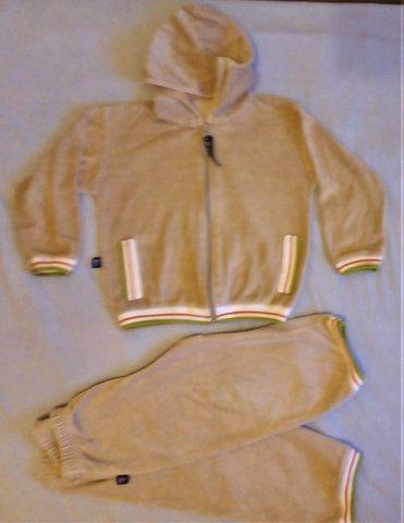 Conjunto Plush T.2 anos seminovo jaqueta e calça