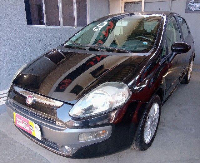 Fiat - Punto 1.6 Essence Flex Completo - 2013