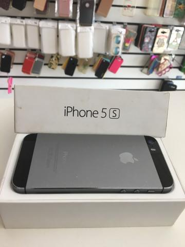 IPhone 5s cinza espacial de 16gb semi novo!!!