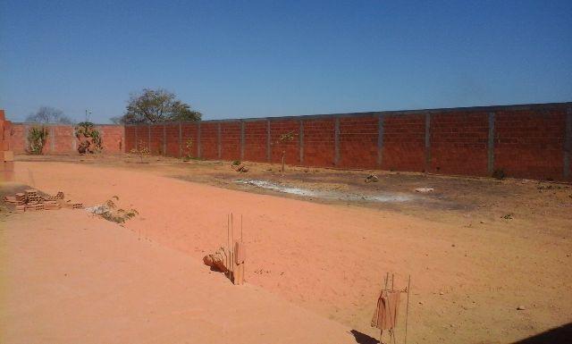 Terreno de 2000 Metros ,Escriturado E Murado No Ibituruna