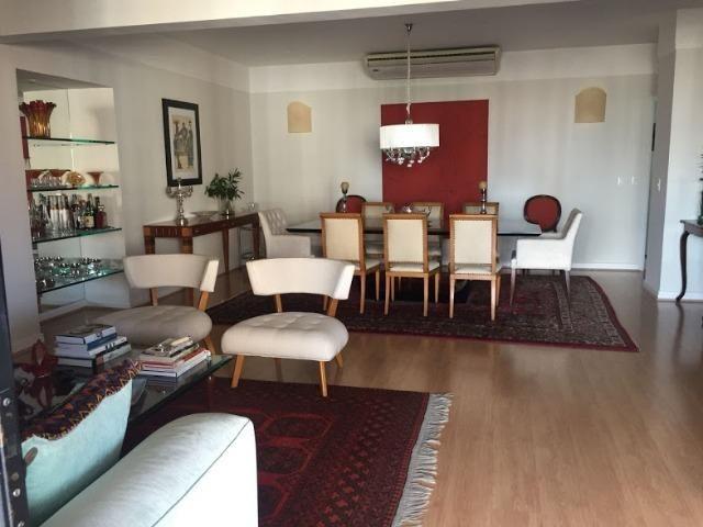 Apartamento no Condomínio Juvenal Lamartine, Petrópolis, 4 quartos sendo 3 suítes