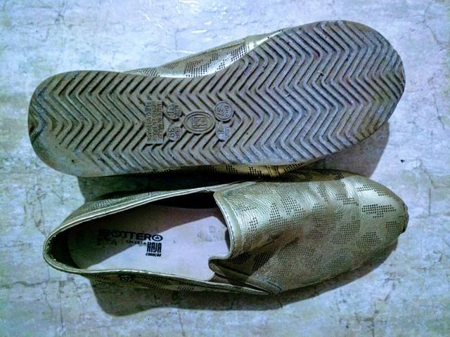 Sapatilhas comfort cor ouro #37br - Foto 3