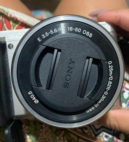 Câmera Mirrorless Sony alpha A6000 KIT 16-50MM 1 ano de uso - Foto 2