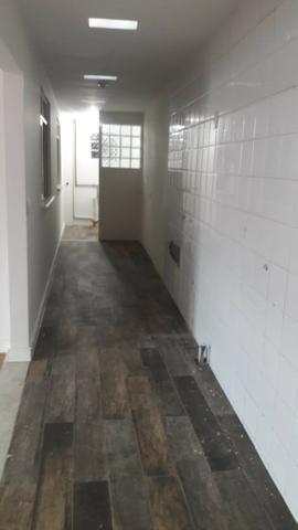 Locação anual Aparamento térreo 02 dormitórios com 01 vaga de estacionamento - Foto 5