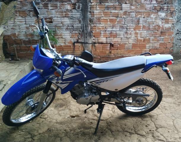 Vendo moto Yamaha XTZ 125E - Foto 2