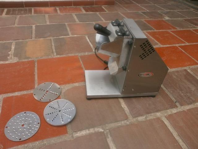 Ralador industrial - em inóx - com 3 discos - para coco, queijo , chocolate - Foto 4