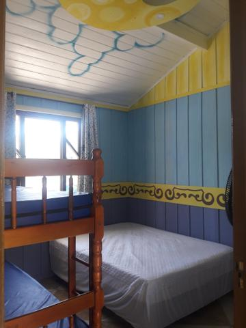 Casa com Piscina Confortável em Ótima Localização - Foto 8