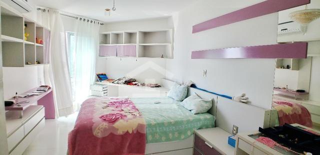 Apartamento com 400m / 5 Suítes / Ponta do Farol / Frente Mar - Foto 4