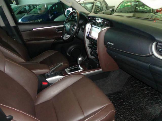 Toyota Hilux SW4 SW4 2.8 SRX AUT. 4X4 7 LUGARES - Foto 13