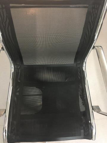 Cadeira para Escritório com Braço e regulagem