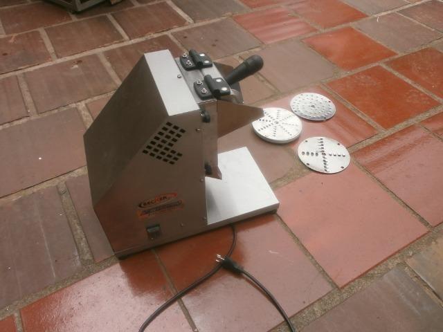 Ralador industrial - em inóx - com 3 discos - para coco, queijo , chocolate - Foto 6