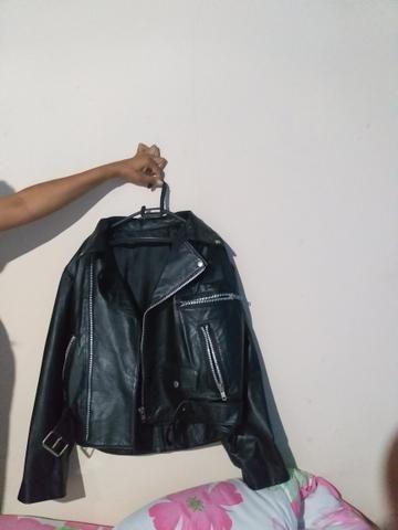 Jaqueta de couro legitimo semi nova usada duas vezes