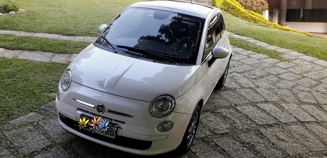 Fiat 500 Cult 2014 mecânico, teto solar