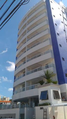 Apartamento perto do mar, excelente localização residencial, com 2 dorm e sacada
