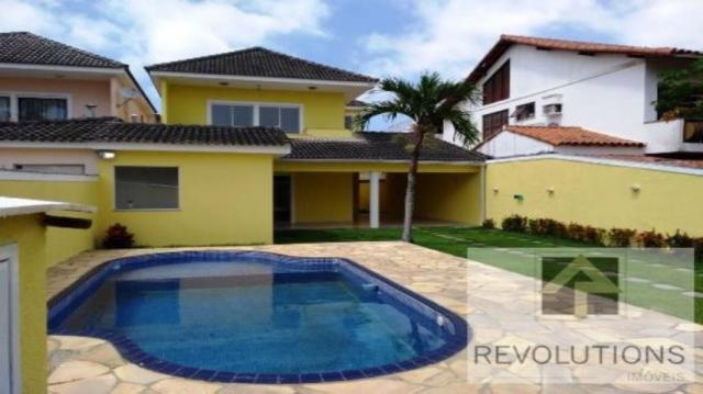 Casa de condomínio para alugar com 4 dormitórios cod:RLOC838