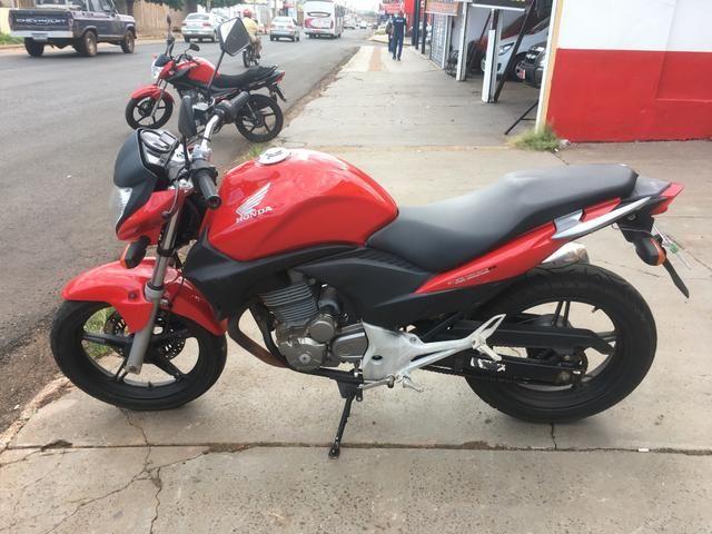 Honda CB300R * Financiamos com as melhores taxas - Foto 2