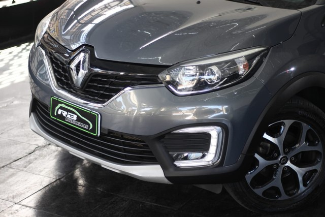 Renault Captur intense 1.6 Automática 13mil Km apenas  - Foto 2