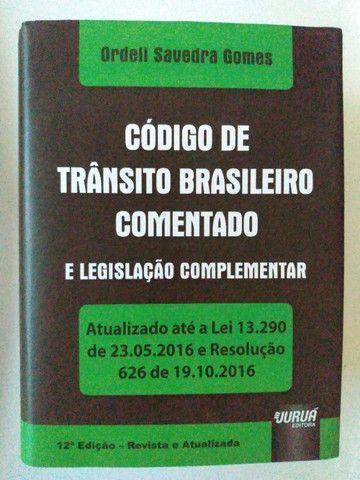 Livro Código de Trânsito Brasileiro Comentado  e Legislação Complementar