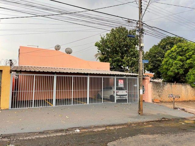 casa / apartamento térreo para aluguel 2/4 c/ gar. St.Vila Regina - Goiânia - GO