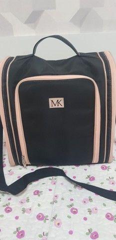 Bolsa com várias divisórias MK