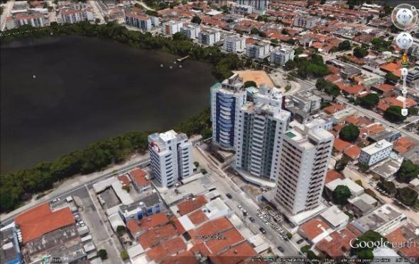 Apartamento no Ed. Millos - Lagoa do Araçá